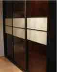 szafa z półkami